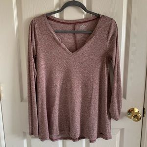 Hollister Red-Heathered Long Sleeve V-Neck Shirt